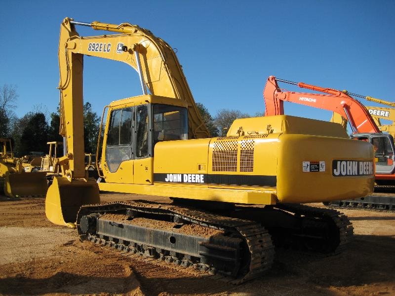 892 JD Excavator