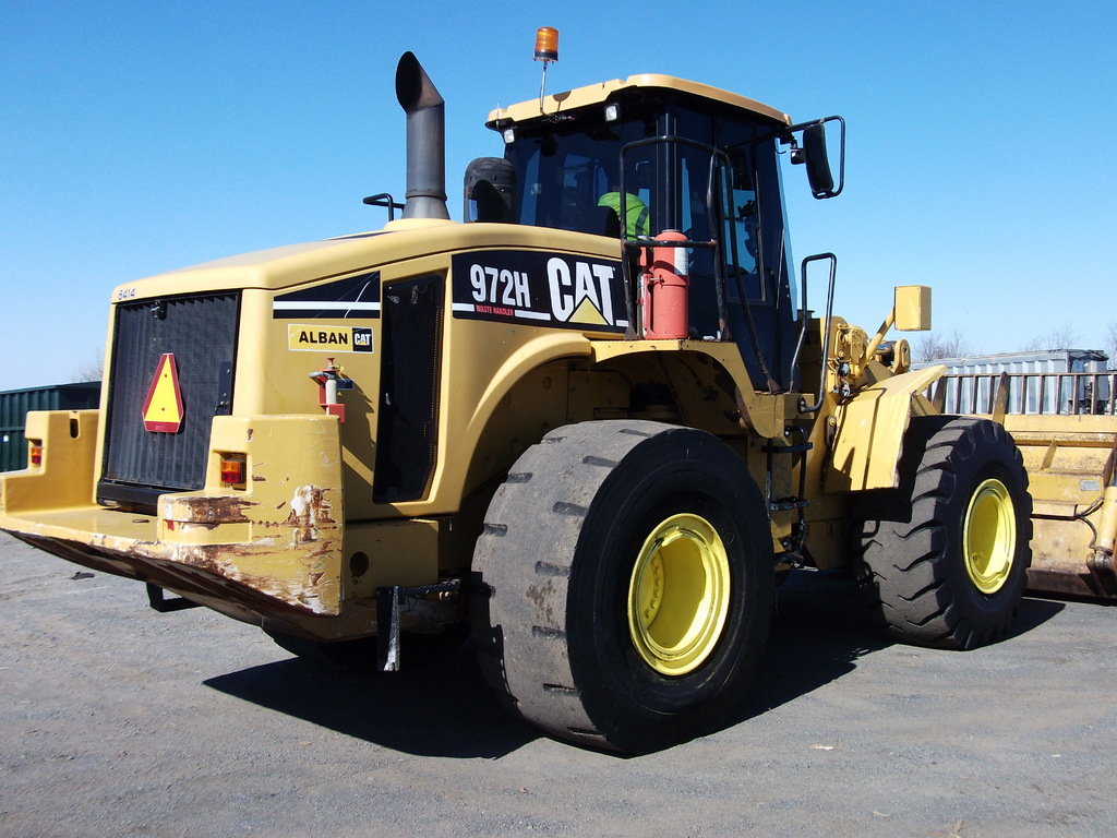 CAT Rubber Tired Loader